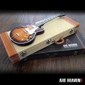 Special Deluxe Guitar Case / Display Case